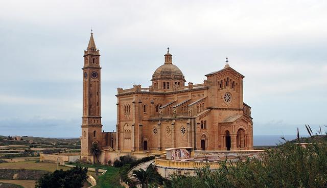 Gotický chrám Malta.jpg