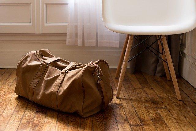 Taška na podlahe